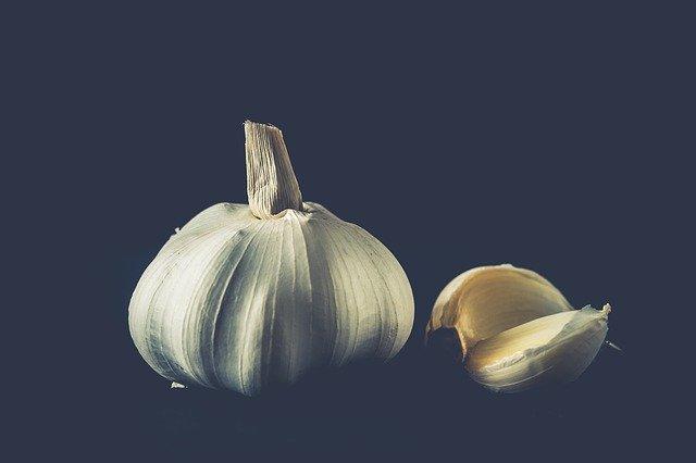 garlic roasting